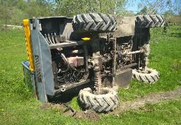 У селі Кам'янка на Глибоччині перекинувся бетоновоз, водій загинув