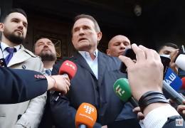 Медведчук каже, що не збирається їхати з України. Офіс генпрокурора проситиме про його арешт