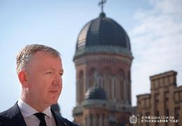 У квітні Осачук отримав одну із найбільших зарплат серед голів ОДА