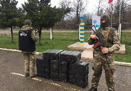 За контрабанду цигарок суд в Путилі присудив буковинцю штраф 65 тисяч гривень