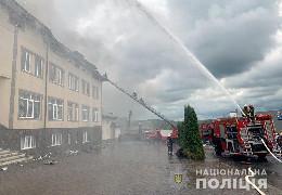 Велика пожежа під Чернівцями: у Чагрі горіло приміщення і склад шиномонтажу