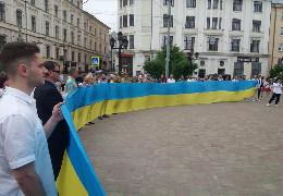 """Буковинські свободівці 23 травня на День Героїв долучилися до заходів, які проводилися в Чернівцях. Не обійшлося без """"ложки дьогтю"""" від ОДА"""