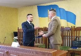 Чернівецьку окружну прокуратуру очолив Павло Шевчук. Його також вітав голова Чернівецької РДА Козарійчук, якого підозрюють у хабарі