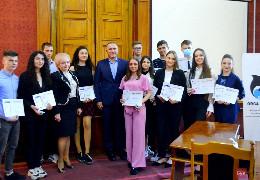Найкращим студентам ЧНУ Федьковича вручили стипендії у криптовалюті