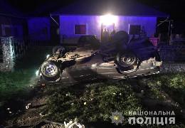 На Буковині 18-річній водійці, яка напідпитку перекинулась на авто і вбила пасажирку, загрожує до 10 років тюрми