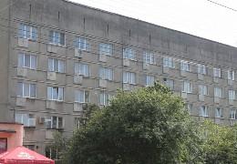 У Чернівцях хочуть продати колишній гуртожиток, де живе майже 200 людей