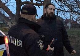 """На Буковині проти священика УПЦ МП, який напідпитку обзивав поліцейських """"хохлами"""" і """"бандерівцями"""" відкрили кримінальне провадження"""