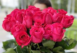 Як продовжити життя трояндам в спеку?