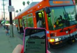 У Черкасах почали відстежувати рух усього громадського транспорту онлайн. Чи дочекаємося у Чернівцях?