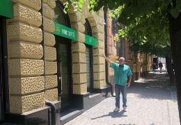 """""""Слуги"""" на Буковині вже створили виборчий штаб. Керує Жаровський, розписується у документах Лис, - журналіст Кобевко"""