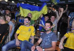 Мер Чернівців Клічук пообіцяв 1000 доларів тому, хто доведе, що кошти на трансляцію Євро-2020 на Соборній площі витрачені з бюджету міста