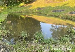 На Буковині у ставку потонув 4-річний хлопчик