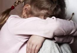 На Буковині до 5 років позбавлення волі засуджено пенсіонера за розбещення 6-річної дівчинки