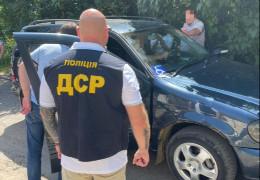 5700 доларів США за відведення землі учасникам ООС: у Чернівцях на хабарі затримали помічника народного депутата Мазурашу