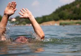 За добу у водоймах Буковини втопилися троє молодих людей