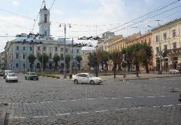 А якою ви бачите Центральну площу у Чернівцях?