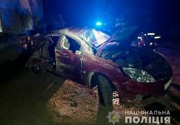 Смертельна ДТП: у селі Василів легковик врізався у кам'яну огорожу, водій загинув
