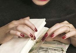 Афера на понад 4 млн грн – на Буковині викрито шахраїв, які привласнювали та продавали нерухомість неблагополучних громадян
