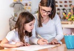 Репетитор англійської для дорослого і дитини: чи є відмінності*
