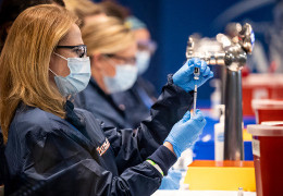 Штам коронавірусу Дельта заразний, як вітрянка: американські вчені пояснили, чим це нам загрожує