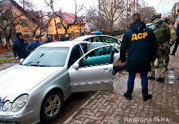 Буковинські правоохоронці припинили діяльність зловмисників, які незаконно заволодівали квартирами чернівчан