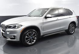 Проти мажора на BMW X5, який у центрі Чернівців погрожував фізичною розправою інспектору з паркування, порушли кримінальне провадження