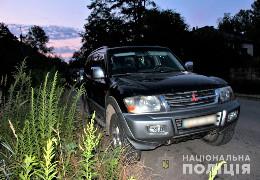 Поліцейські затримали буковинця, причетного до угону автомобіля: сказав, що купує авто, сів за кермо і поїхав…
