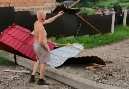 Зірвані дахи та підтоплені будинки – наслідки негоди на Буковині