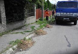 """""""Неякісне"""" прибирання вулиць у Чернівцях було через те, що затягнувся тендер, - заступник мера Зазуляк"""