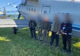 На Прикарпатті затримали літак контрабандистів Ан-2, який на світанку зафіксували буковинські прикордонники