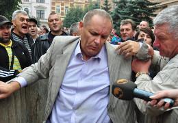 Манолій Мігайчук, якого в Чернівцях «люстрували» у сміттєвому баку під час Революції Гідності, хоче знову керувати госпіталем ветеранів війни