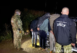 На Буковині затримали іноземців, яких намагались нелегально переправити до Румунії