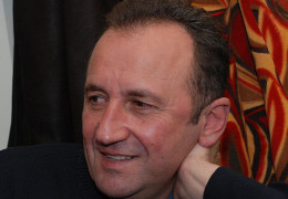 Переможця літературної премії імені Василя Кожелянка чекає брендований срібний перстень та 49 тисяч гривень