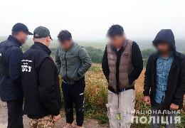 На Буковині організатору незаконного переміщення іноземців через державний кордон повідомили підозру