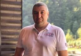 Екс-голова Чернівецької ОДА Роман Ванзуряк виграв суд проти поліції: його оштрафували через зупинку на аварійній ділянці дороги, коли той уникав аварійної ситуації