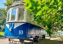 У Чернівцях відремонтували пам'ятник першому трамваю