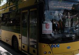 За рік у чернівецьких тролейбусах безготівковий розрахунок пасажирів за проїзд збільшився у 15 разів
