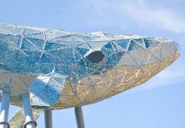 Київський Кит: у столиці відкрили найбільшу скульптуру з переробленого пластику в Україні
