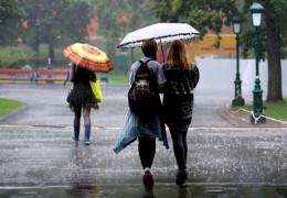 Нещадний циклон: в Україну йдуть потужні зливи і сильне похолодання