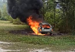 У центрі Черкас розстріляли місцевого бізнесмена. Кілер утік і спалив за містом своє авто