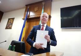 Чернівецька обласна рада може стати другою самоврядною інституцією, яка висловить недовіру Сергію Осачуку