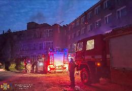 Пожежа на меблевій фабриці у Чернівцях: подробиці від рятувальників