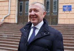 Банилівська сільська рада просить Чернівецьку облраду висловити недовіру Осачуку (ДОКУМЕНТИ)