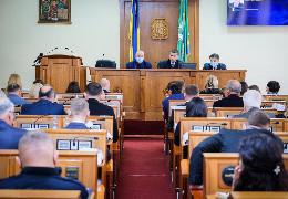 Триває друге пленарне засідання четвертої сесії Чернівецької обласної ради VIII скликання