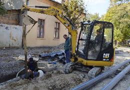 Підрядники запевняють чернівчан, що ремонт вулиці Кармелюка завершать ще до нового року