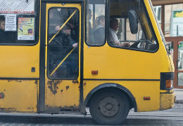 Чернівецька міськрада розриває угоду з маршрутним перевізником, який порушував умови договору