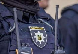 Під Києвом чоловік напав на поліцейських з вилами: і це був не Ляшко