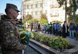 Буковинці вшановують українських захисників і захисниць