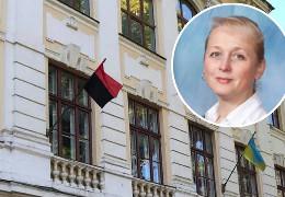 Скандал із прапором УПА на ліцеї у Чернівцях: чому від директорки Галини Абрам'юк просять пояснення