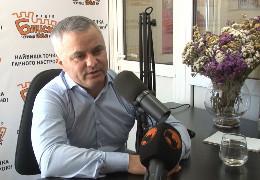 Голова Чернівецької райради Домніцак про недовіру Осачуку: «Поки я тут - не дам спаплюжити ідею президента…»